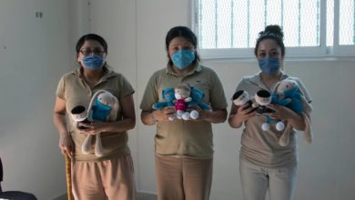 Photo of Corona: Women in Prison Make Healthcare Dolls to Feed their Families