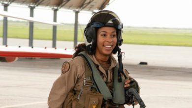 Photo of Say Hello to the US Navy's First Black Female Fighter Pilot!