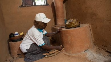 Photo of This Man Builds Mud Stoves to Fight Deforestation